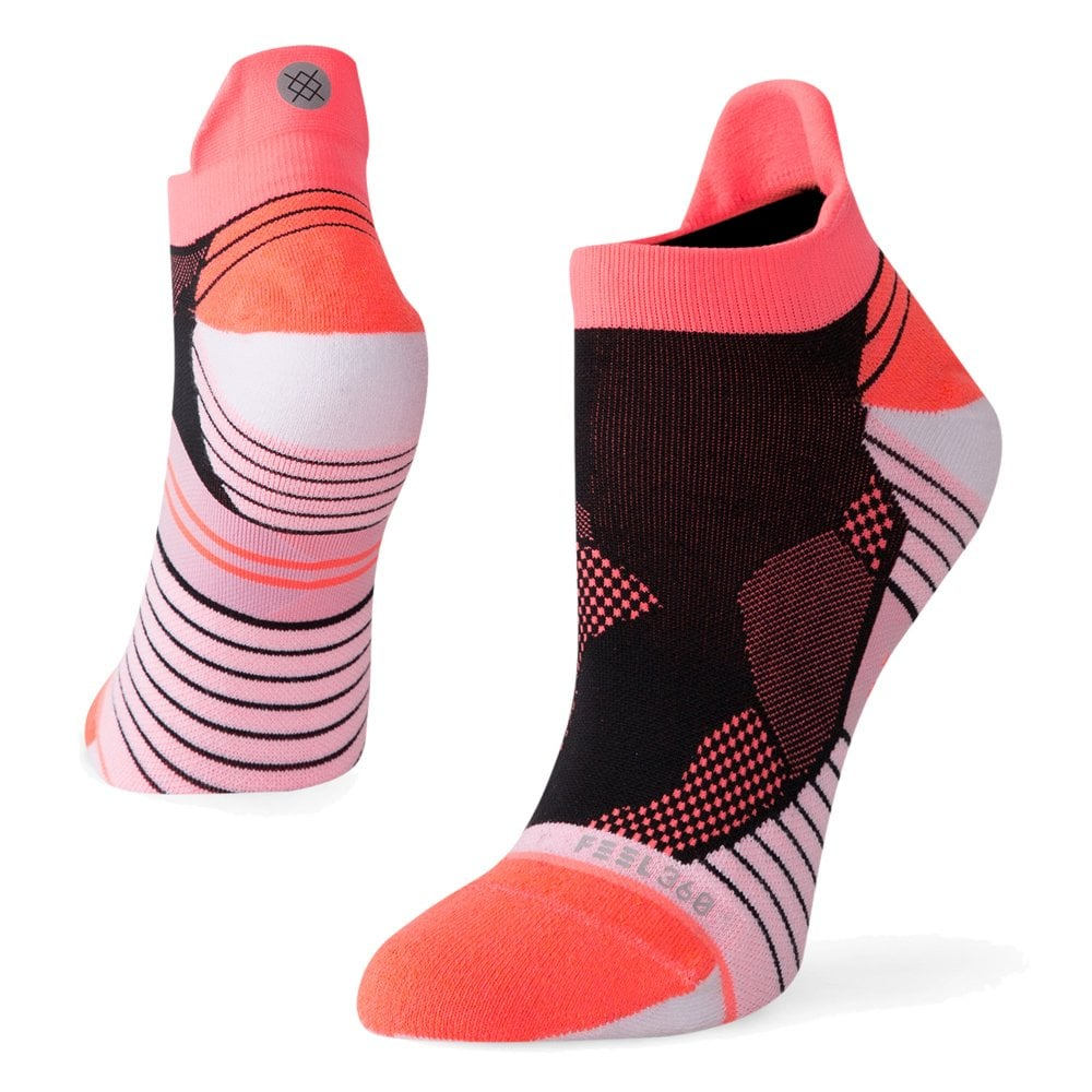 982737005 High Altitude Tab Womens No Seam Running Socks Pink Black at ...